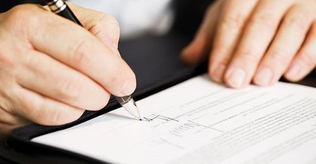 Các doanh nghiệp cần đọc kỹ lưỡng các điều khoản bên trong hợp đồng cho thuê máy photocopy
