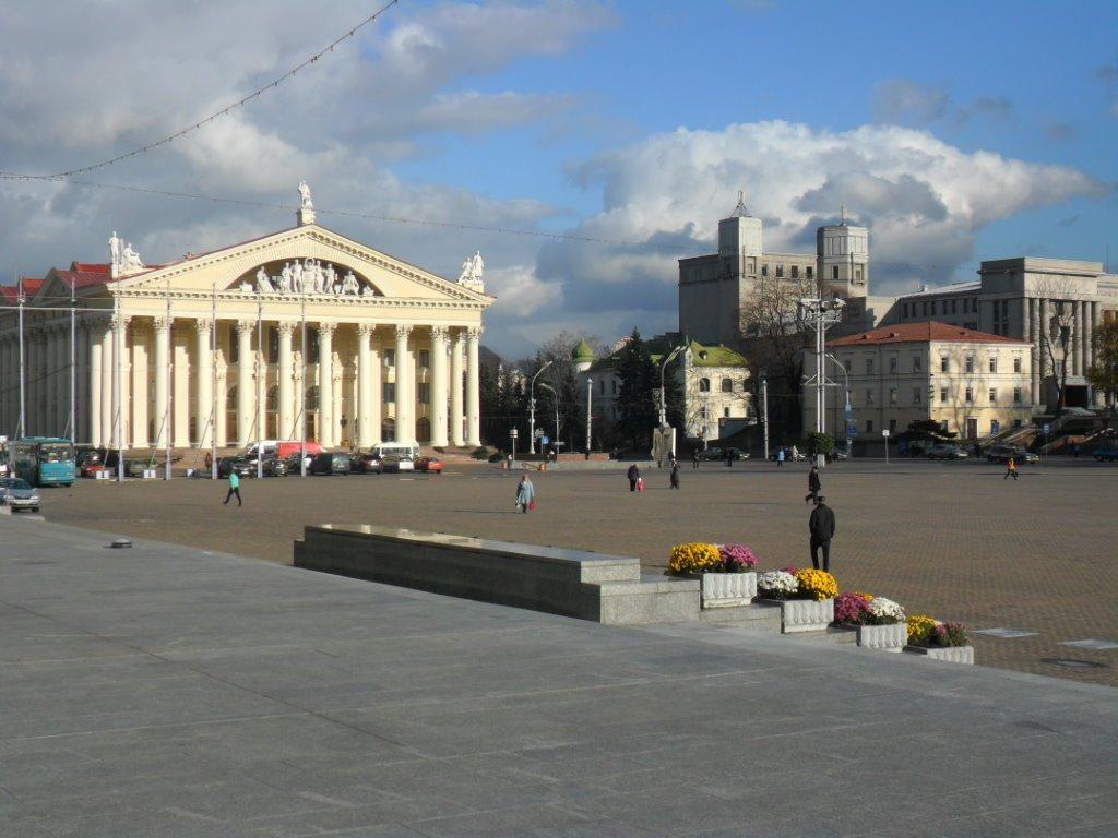 Октябрьская площадь в центре Минска