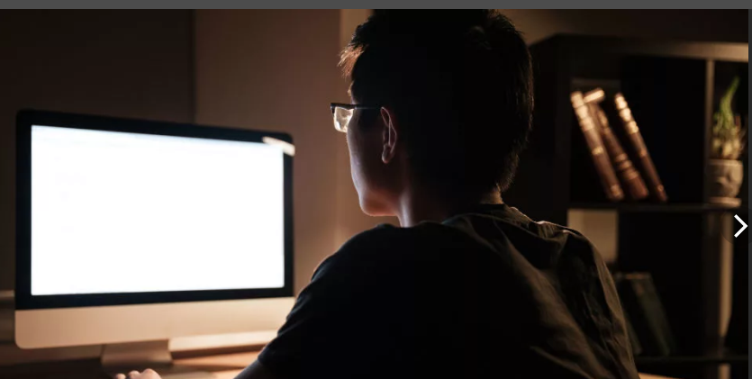 FireShot Webpage Screenshot #1666 - 'человек сидит за компьютером вид сзади_ 2 тыс изображений найдено в Яндекс_Картинках' - yandex_ru.png