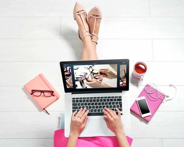 Mua hàng online rất được ưa chuộng hiện nay