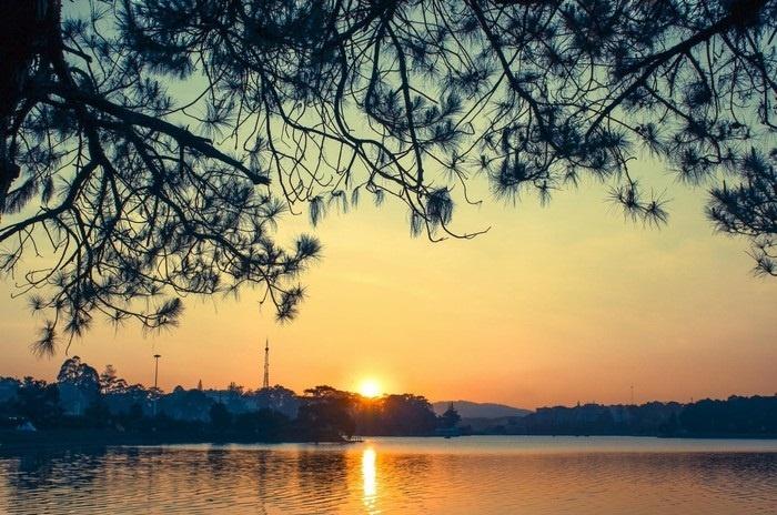Hoàng hôn Hồ Xuân Hương là khoảnh khắc tuyệt vời