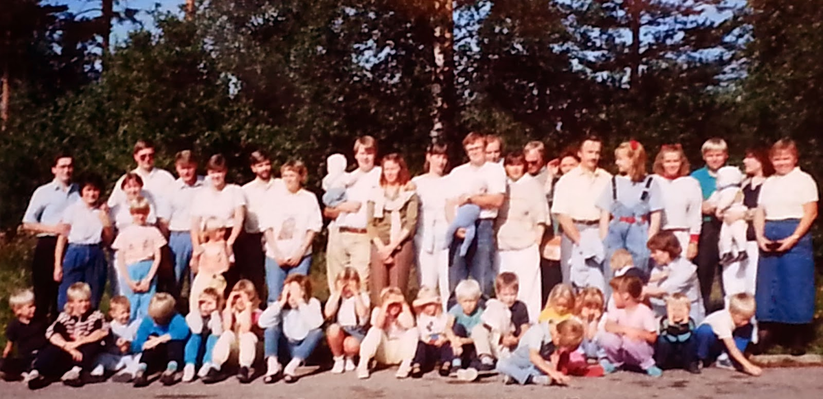 RESOURCE_1988cropped_My Suzuki Voice students to see Dr and Mrs Suzuki 1988 to Sweden.jpg