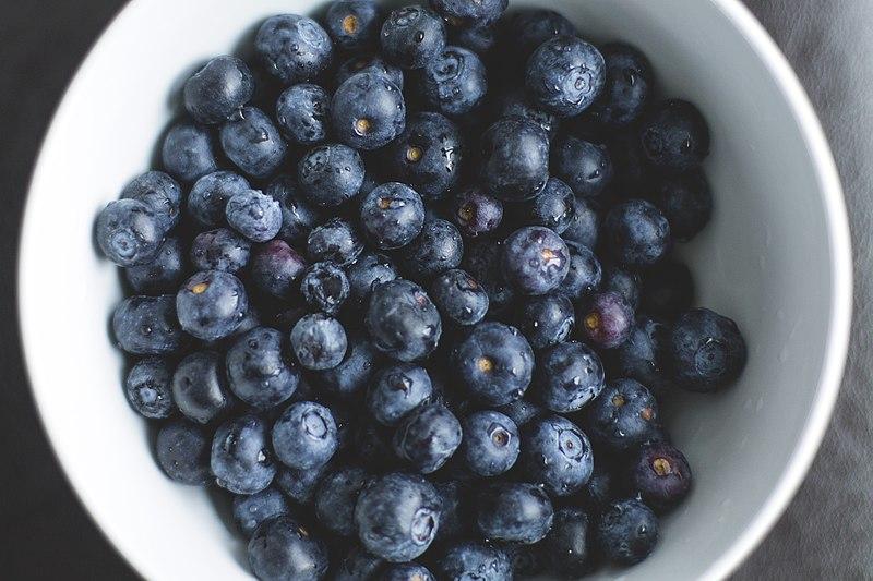 File:Bowl of Berries (Unsplash).jpg