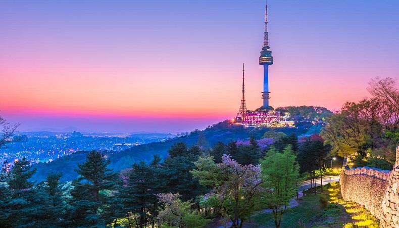 Thời gian lý tưởng nhất khi săn vé máy bay tới Seoul là từ tháng 7 tới tháng 10