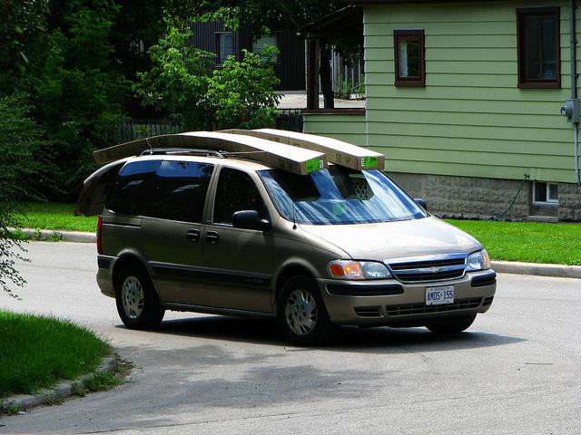 Minivan Spiffy On-Demand Car Care