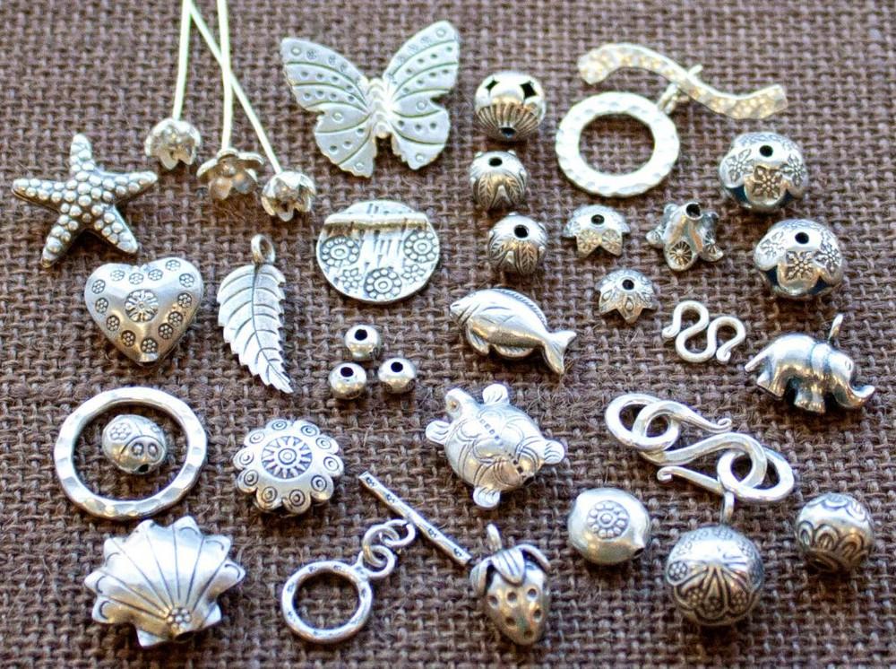 Người mệnh Thủy nên mang theo trang sức bằng bạc