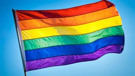 Ein Bild, das farbig, Flagge enthält.  Automatisch generierte Beschreibung