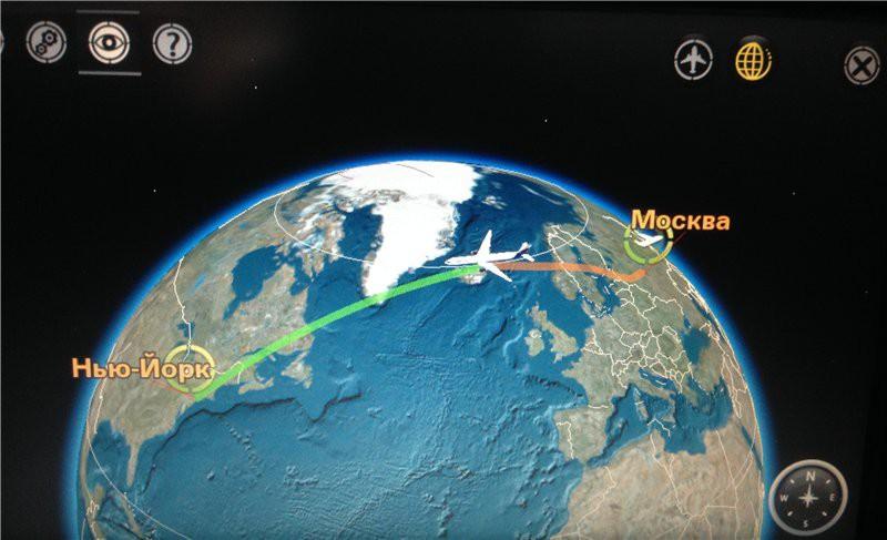 фото с монитора, встроенного в подголовник, где можно смотреть онлайн местонахождение, данные по полету, а так же к услугам - развлекательная медиатека. США глазами туриста, туризм, факты