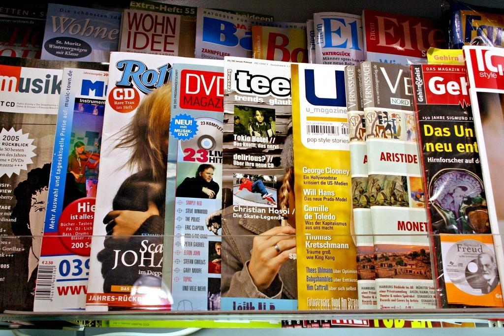 Print Media Advertising magazines