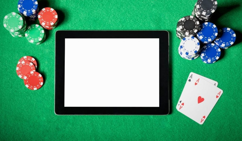 Bermain poker di situs judi online terpercaya