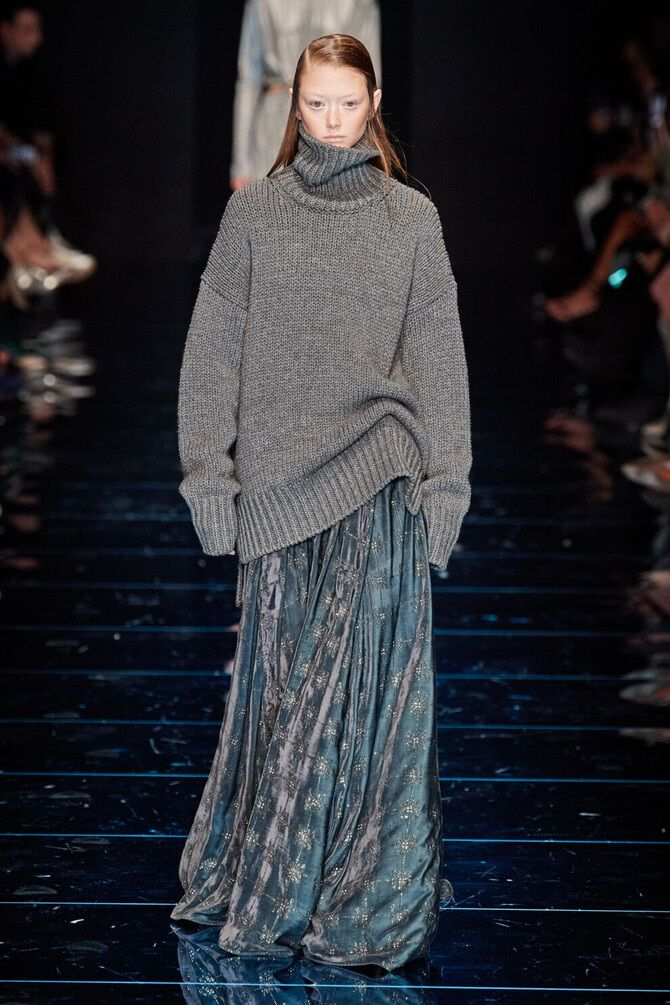 Sweater and a skirt: the most fashionable winter combinations 2