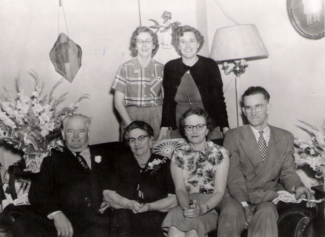 Tony & Nona family at 1505 Vermont.jpg