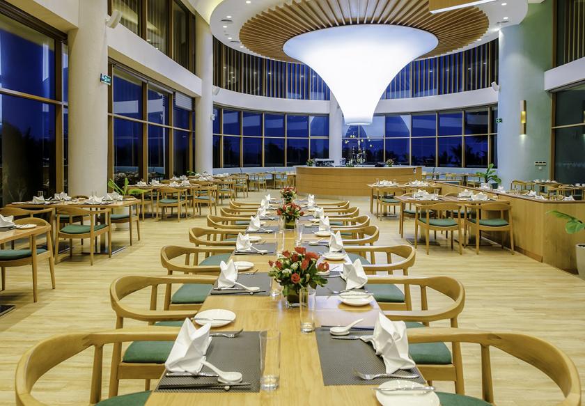 terrace bay restaurant FLC Luxury Hotel Quy Nhơn