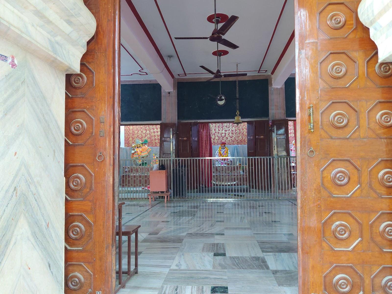 Neeb Karori Temple,Akabarpur