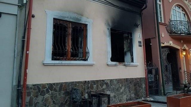 Польські фашисти підпалили будинок угорського культурного товариства в Ужгороді, аби звинуватити в теракті українців