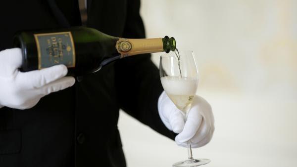 Rượu vang Champagne của Pháp