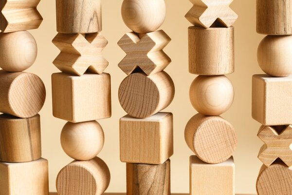 Đồ chơi Montessori