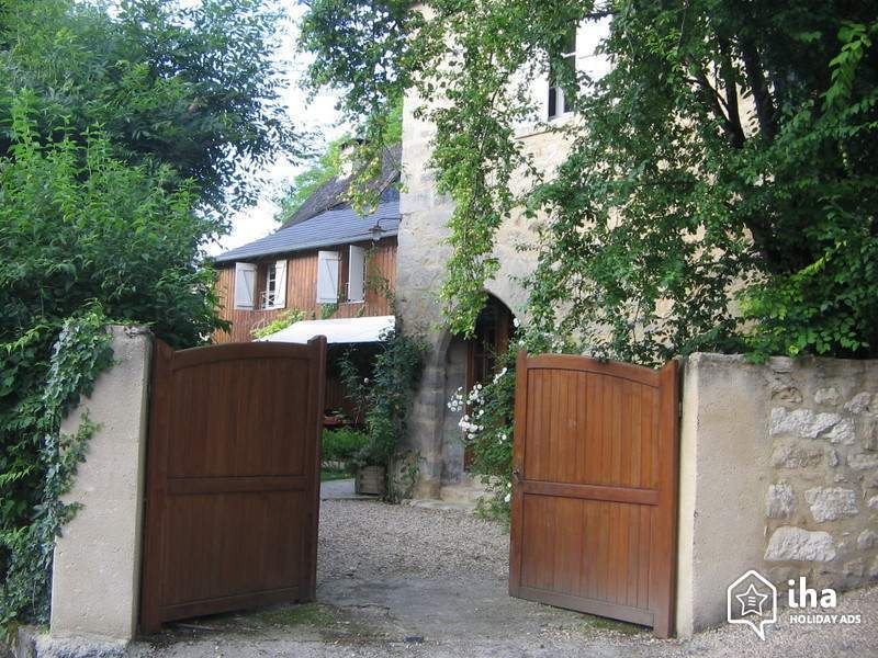 Charming-vacation-rental-Terrasson-lavilledieu-Charming-old-watchtower_20.jpeg