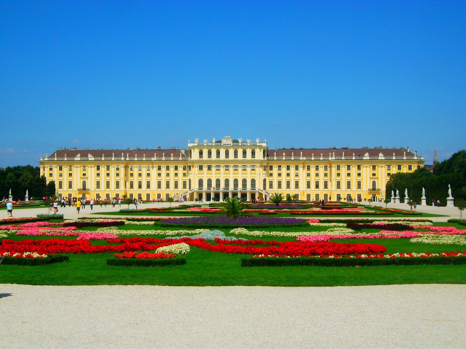 File:Schönbrunn Palace 01.jpg