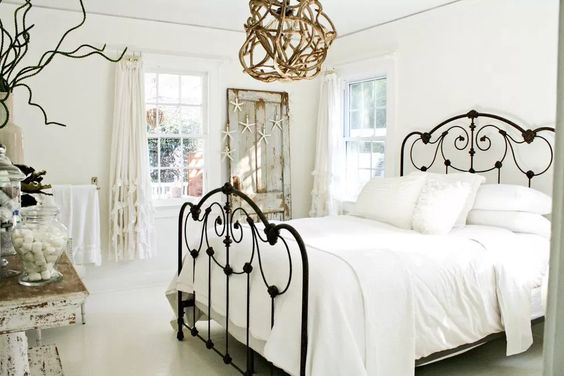 Familiar White Shabby Chic Bedroom Style