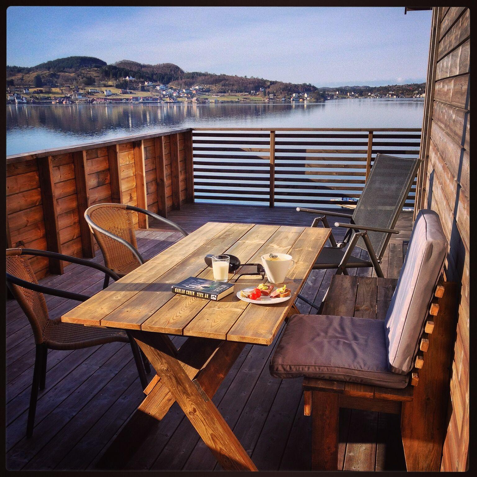 træmøbler kan komplimentere terrassen godt