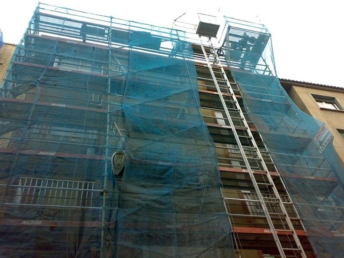 detalle-obra-en-fachada-edificio-fachada