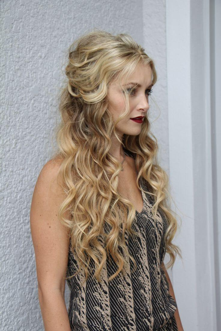 Sport new variations every day with wavy hair