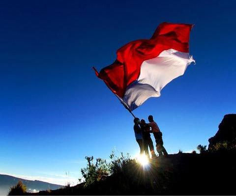 http://idreamofbali.com/blog/indonesian-independence-day/#.WItzPhuLSUk