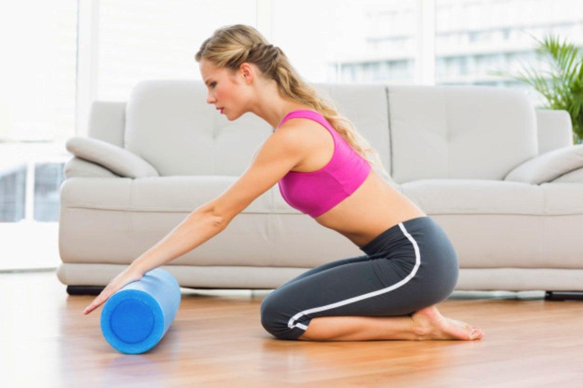 rodillo para practicar posturas con artículos para yoga
