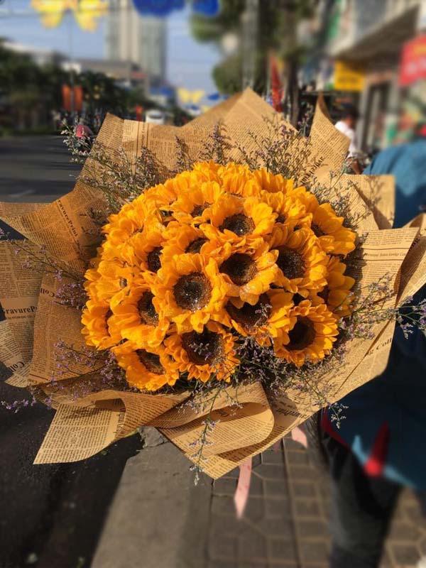 Ảnh có chứa hoa, cây Mô tả được tạo tự động