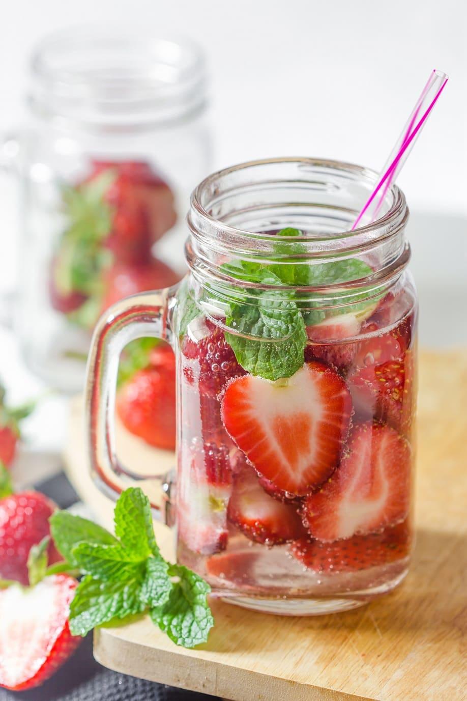 Westwing-eaux-aromatisées-fraise-basilic