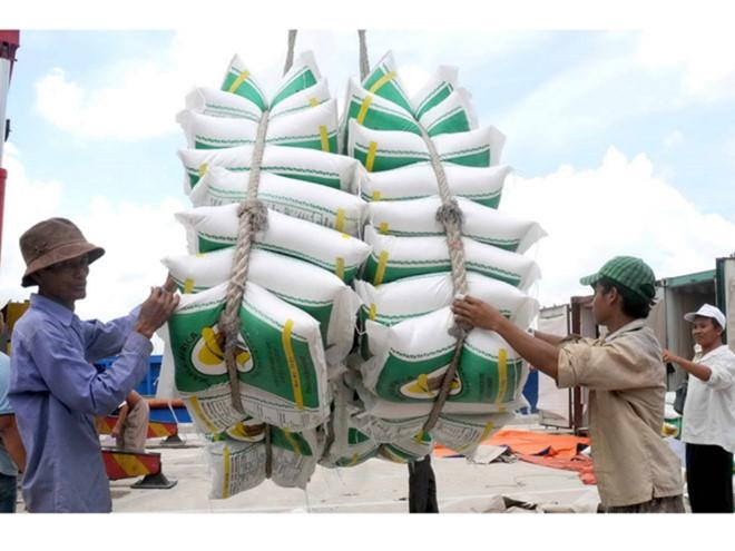 Đề nghị tạm hoãn thực hiện việc dừng thông quan xuất khẩu gạo - ảnh 1