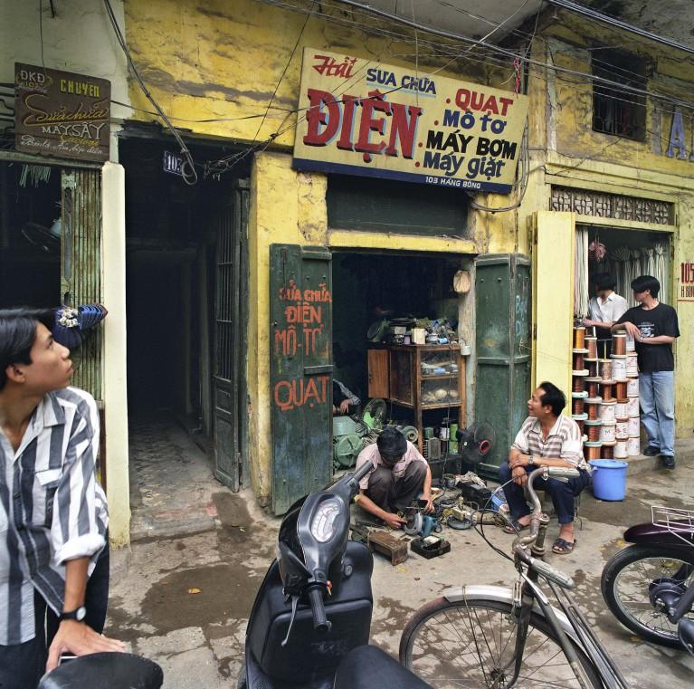 103 Hàng Bông (Cotton Street), 1995