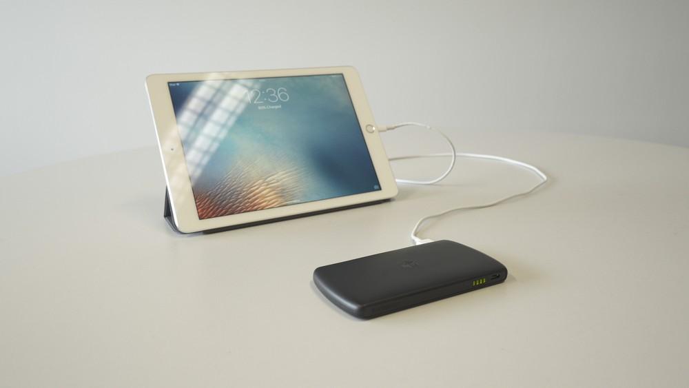 Invizbox-Charging-iPad-1.jpg