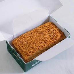 3 layers of fragrant honey sponge, caramel cream and a generous coating of honey crumbs (Mini rectangle cake is approx. 12.5cm x 7.5cm)