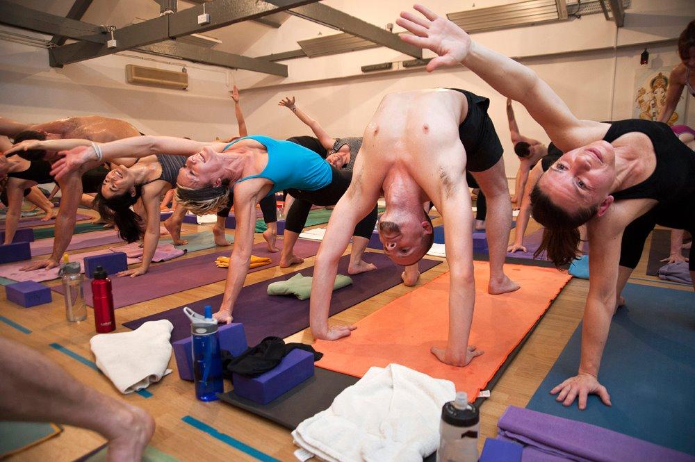 Hot Power Yoga | GoSweat | The 4 Best Clapham Yoga Studios