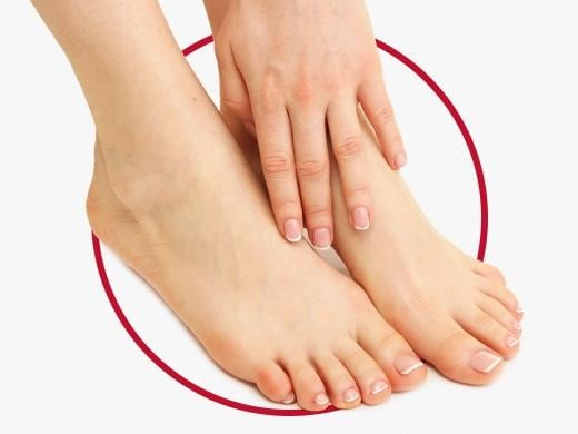 Clean and healthy female feet after Canesten treatment