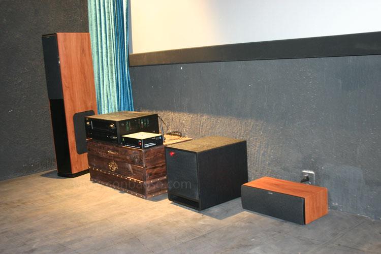 lắp đặt phòng chiếu phim 3D kinh doanh