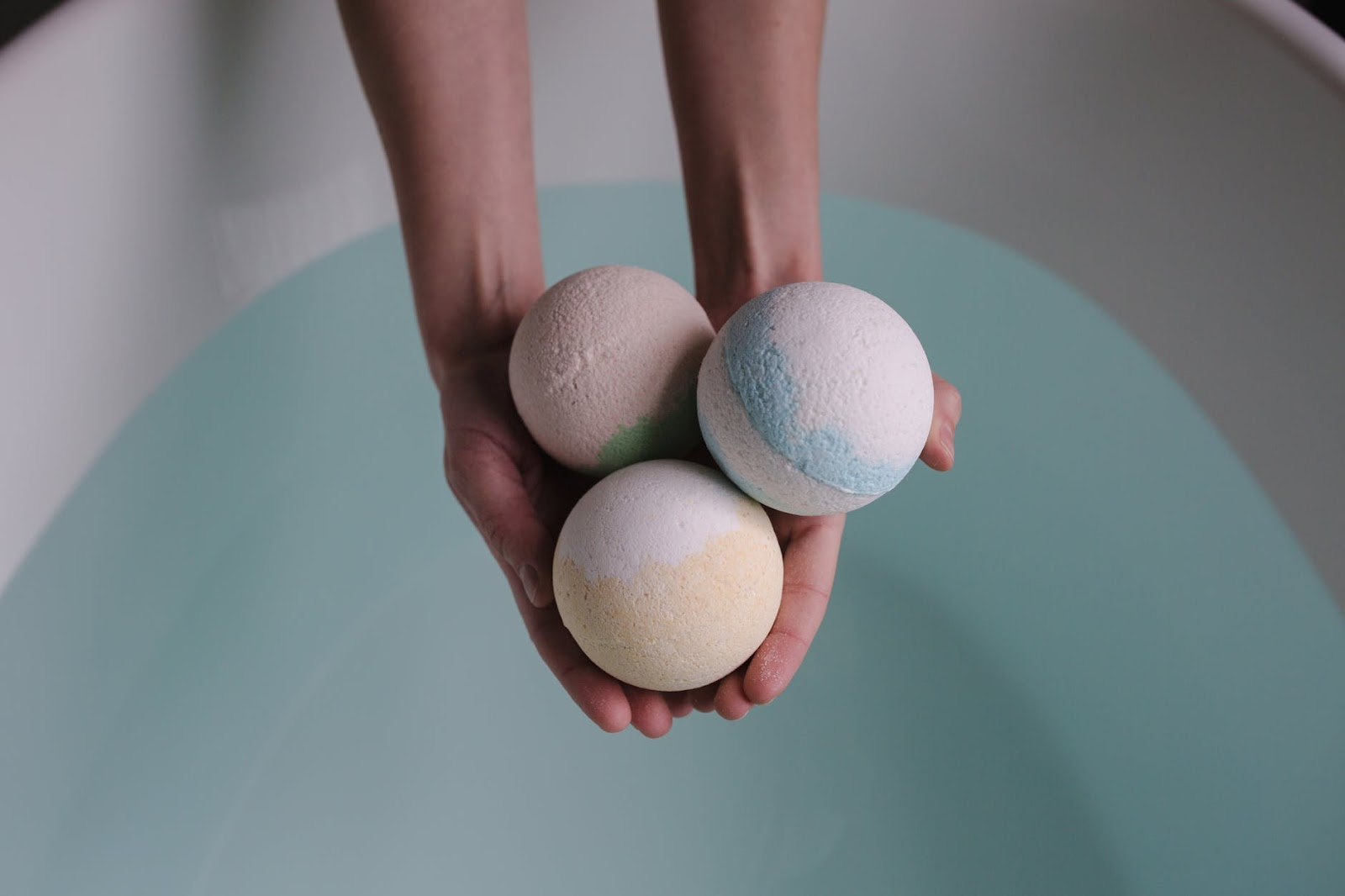 How to Make DIY Lush Bath Bombs Without Citric Acid? 3