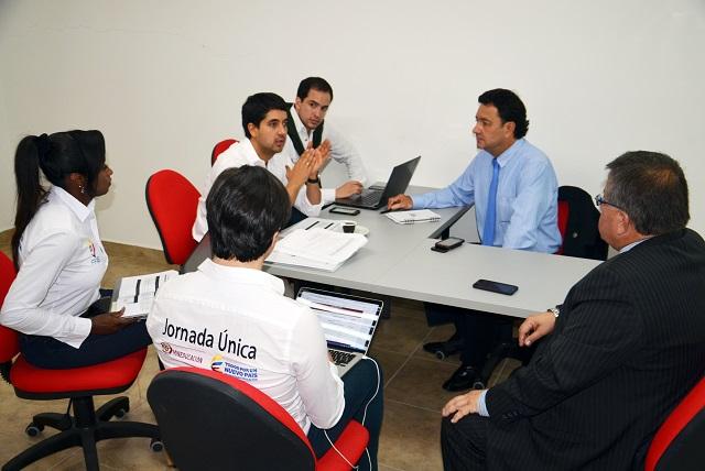 VICE MINISTRO DE EDUCACION 3.JPG