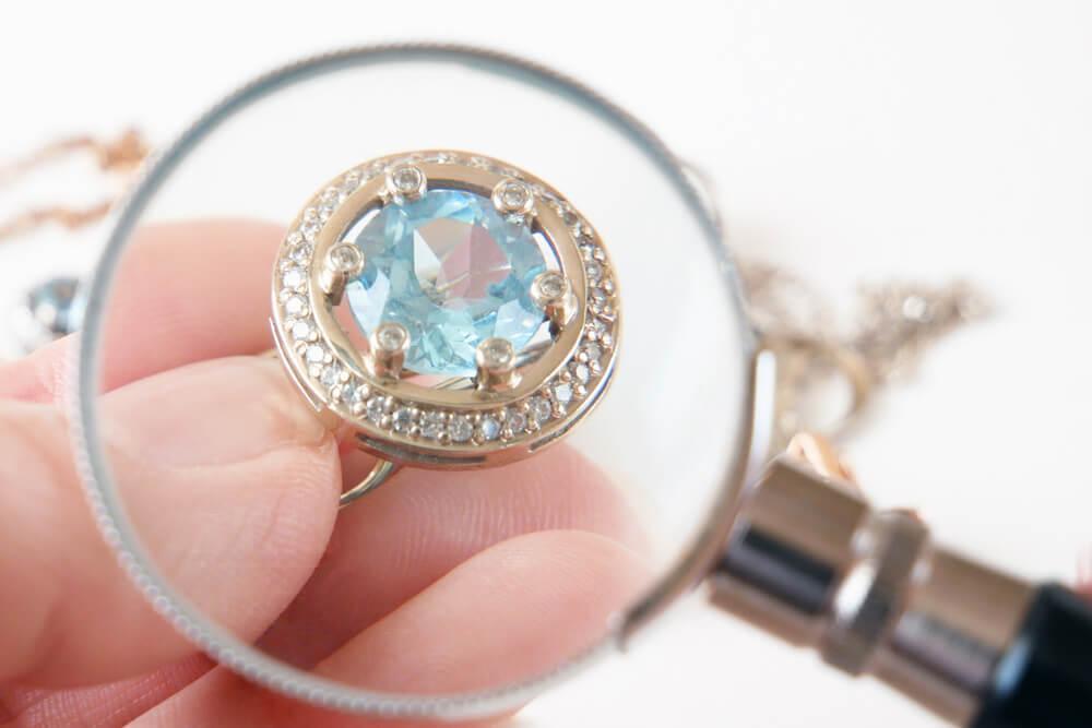 Để cầm kim cương đòi hỏi cửa hàng cầm đồ phai có đủ vốn và kinh nghiệm