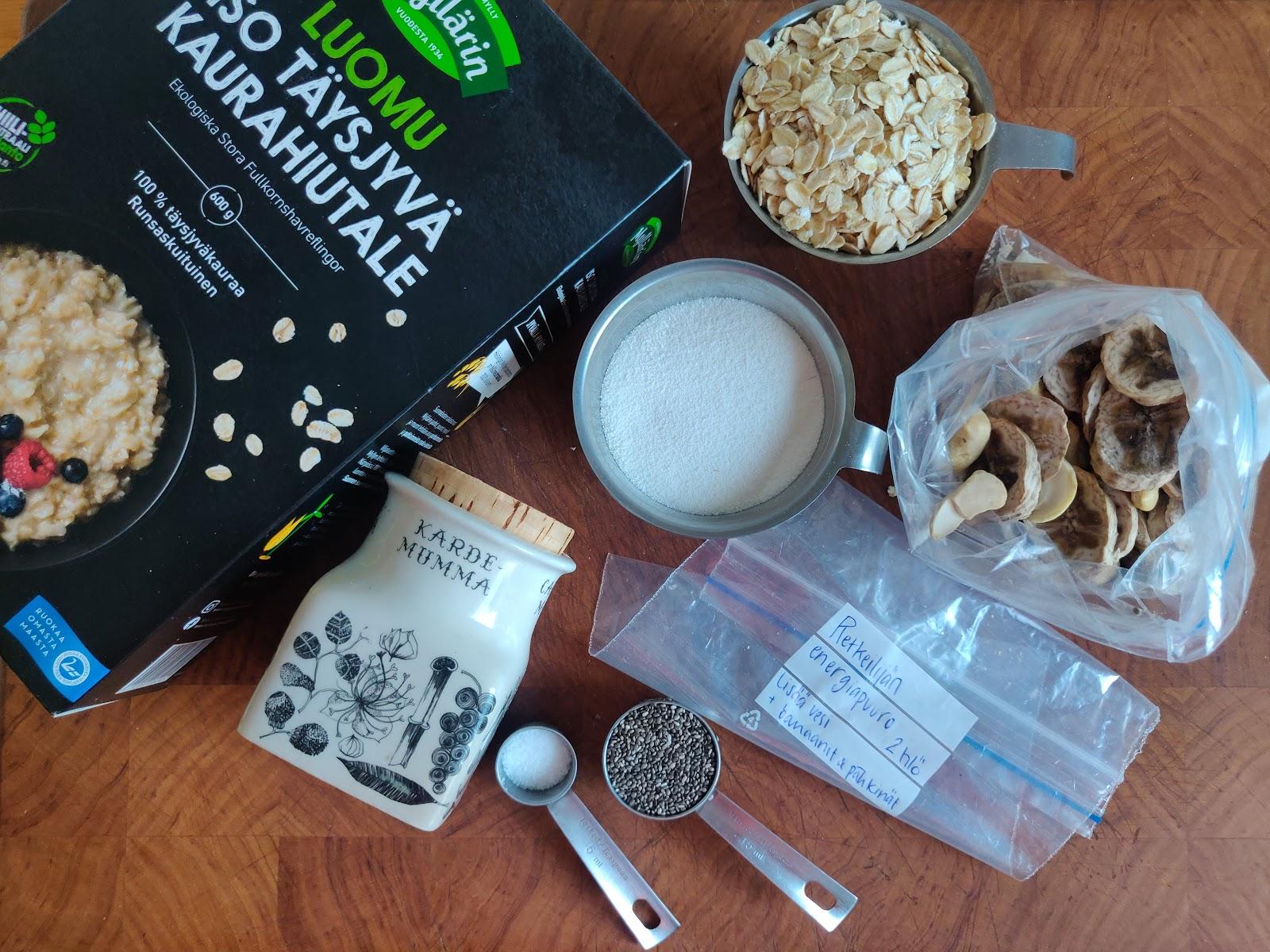 Pakkaa puuron ainekset jo kotona valmiiksi annospussiin. Myllärinkaurahiutaleista keität täyteläisen puuron.