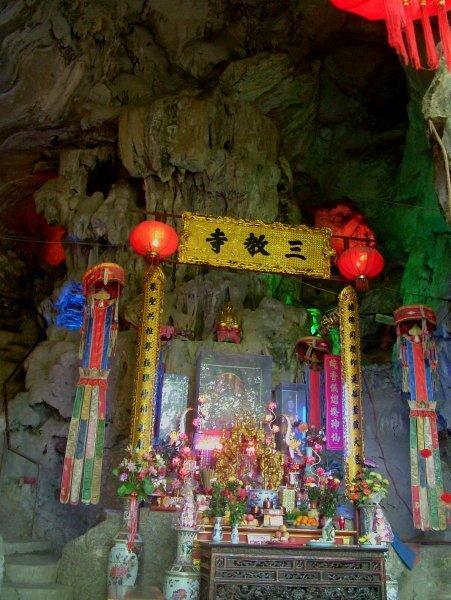 Sổ tay du lịch so tay du lich Sotaydulich Sotay Dulich Khampha Kham Pha Bui Nhị Thanh hang động giữa phố núi