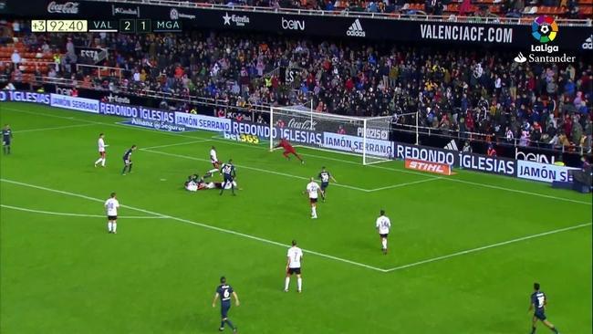 Resultado de imagen de valencia cf - malaga 0 - 1 gol de Fornals