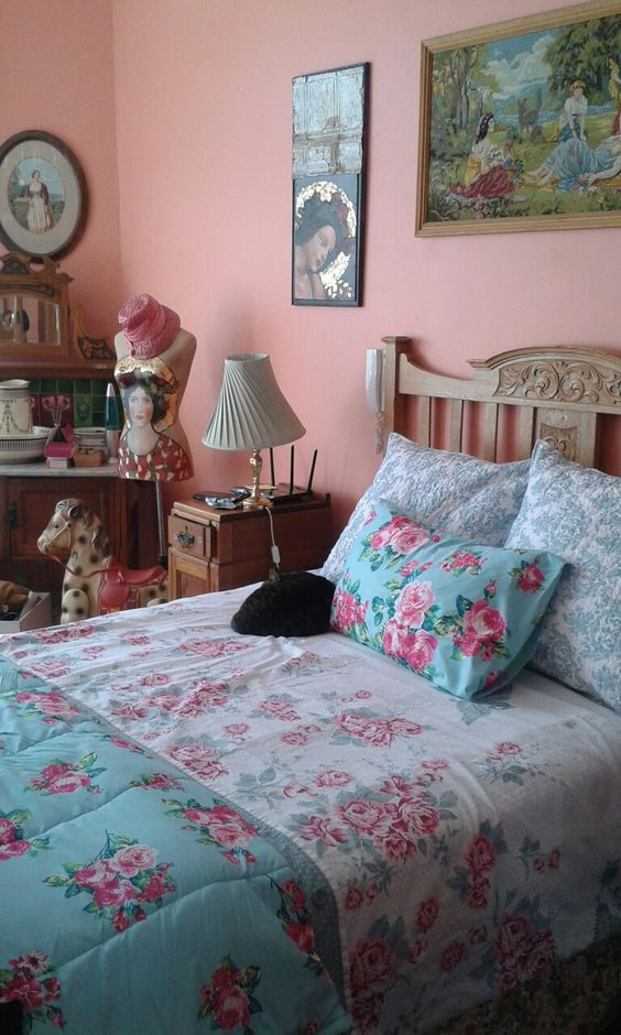 Add Floral Accessories in Bedroom