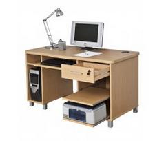 mesa de ordenador grande