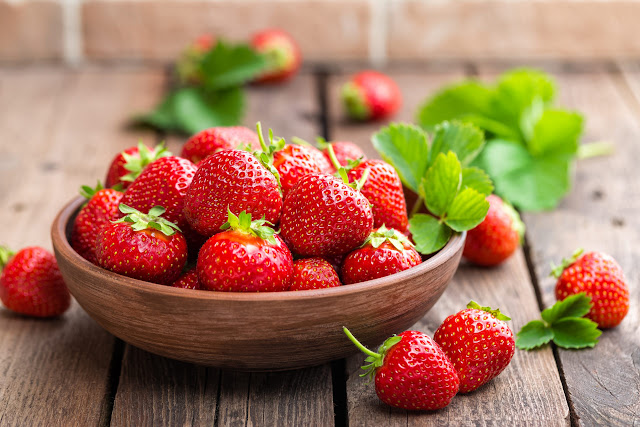 benefits of strawberry leaves