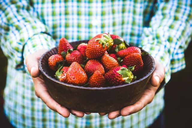 benefits of strawberries for men