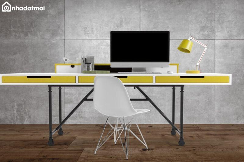 Người mệnh Kim nên chọn bàn làm việc có màu phù hợp với bản mệnh của mình