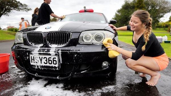 Cara Mencuci Mobil Agar Terlihat Seperti Baru